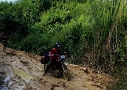 Expemundo 2016 - Laos - passage dans la boue